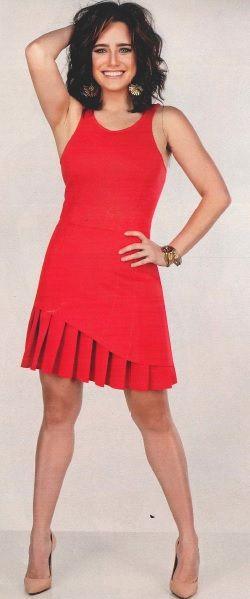 Vestido - tecido: malha prene; forro: helanca; fonte: revista Manequim, Jan 2015, p. 20.