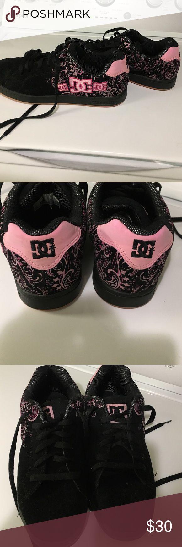 "Black and pink ""skateboard"" shoes-chunky shoe Worn twice very sturdy shoe DG shoe co USA Shoes Sneakers"