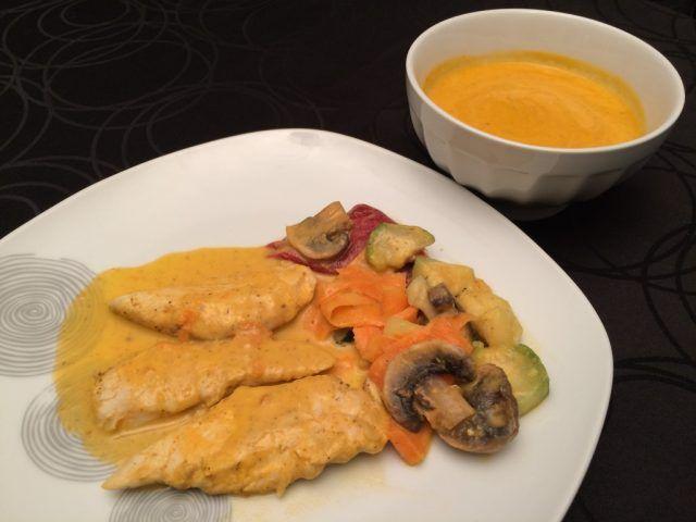 Ingrédients: (d'après une idée recette de la plate forme Cookidoo) – 2 grosses carottes (j'ai gardé les fanes des carottes) – 400 grammes de courgettes surgelées (celles du jardin congelées cet été) – 500 grammes d'aiguillettes de poulet – 1 petit bocal de poivrons grillés marinés – 4 gros champignons de Paris frais – 1 gros oignon jaune – 2 …