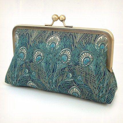 Accessoires de la mariée - Petite pochette plumes de Paon bleue & argent