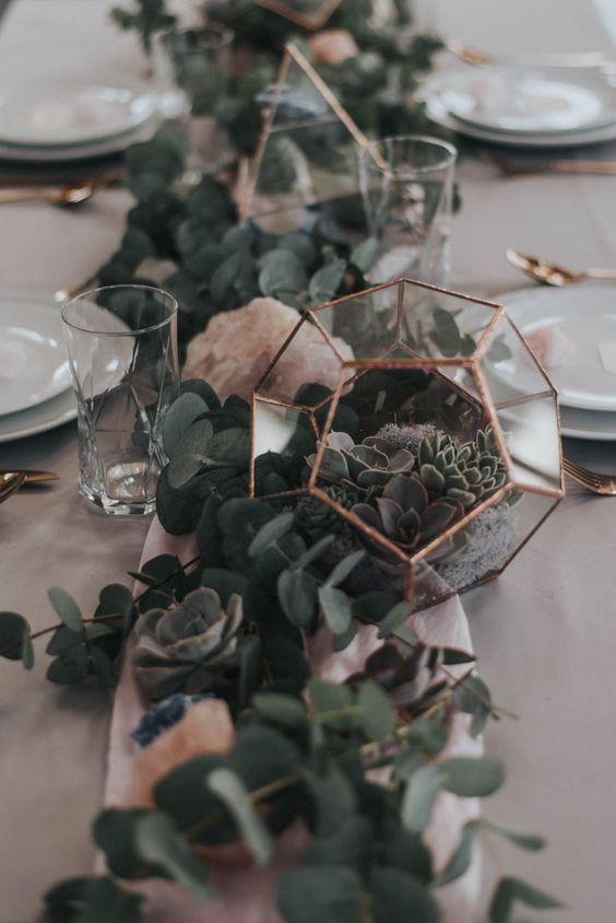 Geometric wedding centerpiece / http://www.deerpearlflowers.com/terrarium-geometric-details-ideas/3/