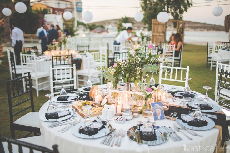 Van gogh style destinatin weddings