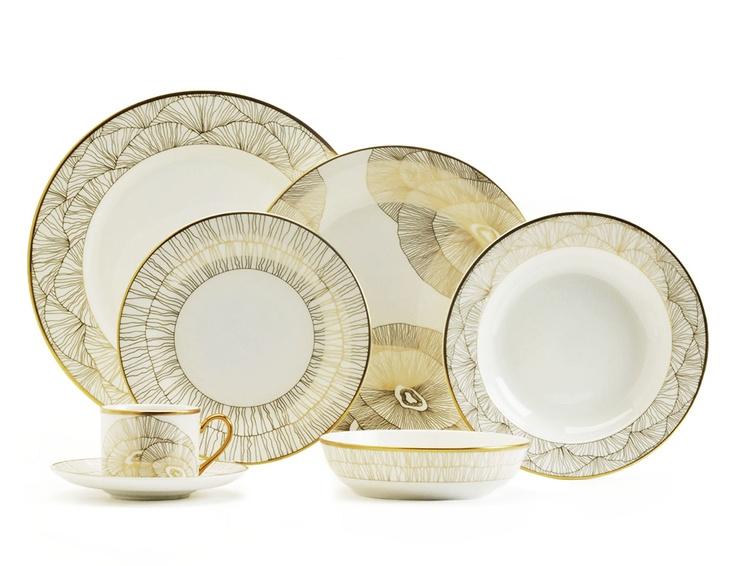 Hillcrest charger plate  sc 1 st  Pinterest & 326 best Kitchenware: Dinnerware images on Pinterest | Kitchenware ...