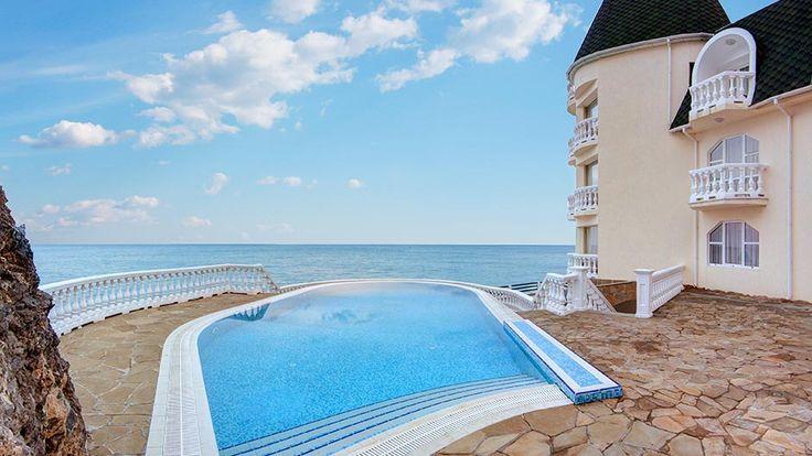 Утес Крым: Отель Аркадия, Санта Барбара. Бассейн гостиницы