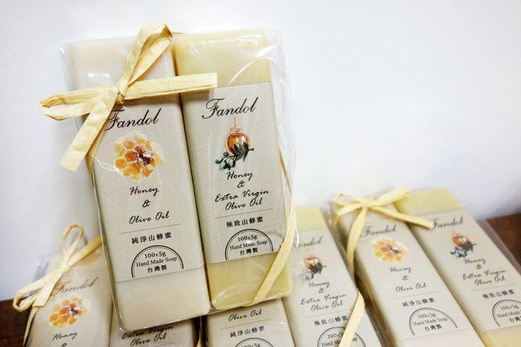 Fandol 范朵 手工皂/香皂 ❃ 台灣山蜂蜜皂條二入組 - Fandol 范朵 | Pinkoi