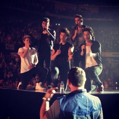 The boys singing Happy Birthday to Paul - Nottingham, 16.04