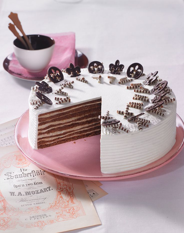Amadeus-Torte Schokoladige Torte mit Whiskey-Sahne-Likör und Pudding-Füllung