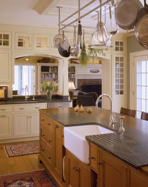 Kitchens: Pots Racks, Idea, Dreams Kitchens, Kitchens Design, Living Rooms, Traditional Kitchens, Farms Sinks, Farmhouse Sinks, Families Rooms