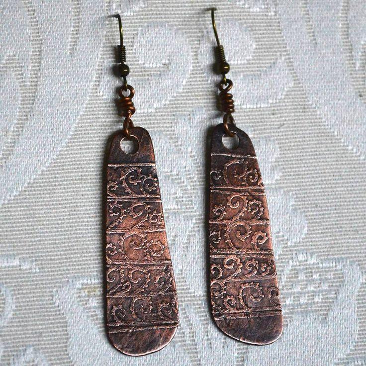 Orecchini in rame, incisi - LA BOTTEGA DEL FAUNO - gioielli di rame e pietre dure - Facebook: facebook.com/labottegadelfauno Instagram: instagram.com/labottegadelfauno