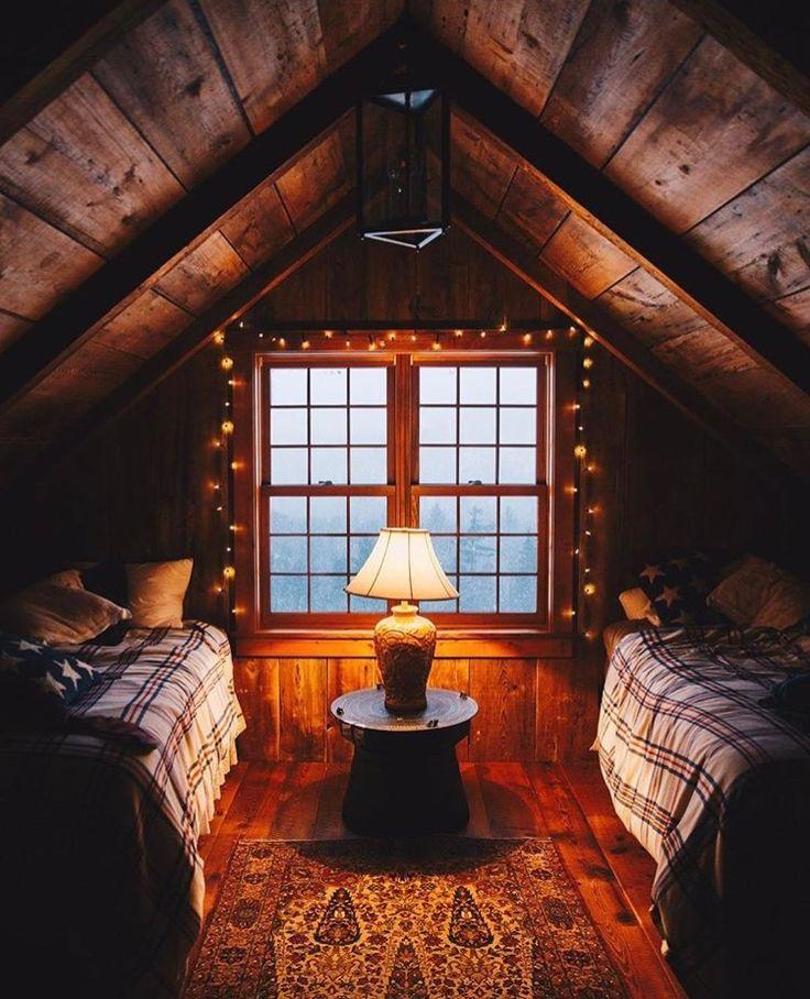 Best 25+ Log Cabin Bedrooms Ideas On Pinterest | Rustic Cabin Master  Bedroom, Log Cabin Interiors And Log Home Bedroom