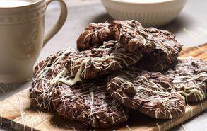 Recipe thumb akis petretzikis triple chocolate cookies site