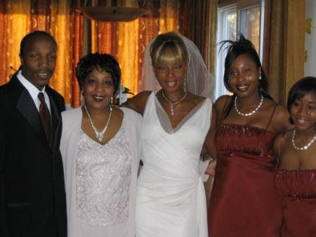 With Family on her Wedding Day | mary j blige | Pinterest ...