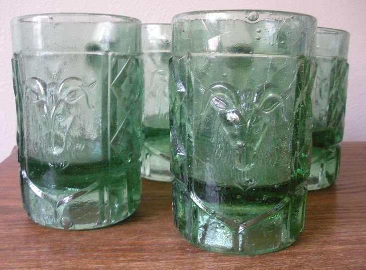 Vtg 4 Rams Head Mug Cathedral Castle Theme, Green 11 Oz Crackle Glass Bubbles 5""