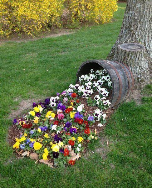 kiömlő virágok