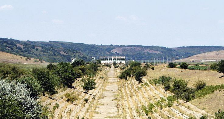Cea mai importantă investiție în agricultură, Canalul Siret-Bărăgan, lăsată de izbeliște