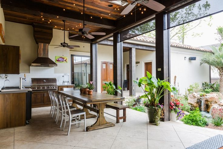 7 Chic Outdoor Kitchens