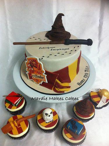Harry Potter Cake  www.facebook.com/MardieMakesCakes