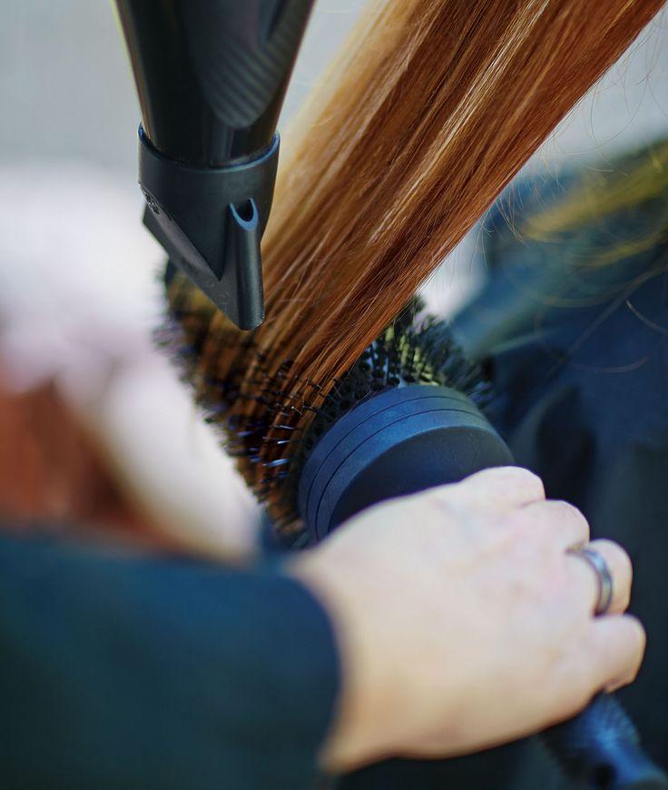 Dun of fijn haar? Probeer dan nu de Aveda Thickening Tonic voor voller haar en meer volume. Verkrijgbaar in onze salon!