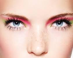 maquillaje de ojos azules con sombras fucsia y negro - Buscar con Google