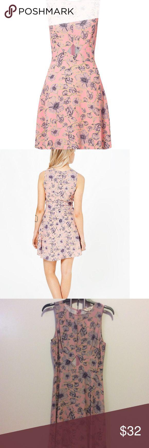 Miss Selfridge Pink Floral dress size 4 Miss Selfridge pink vintage style Floral dress. Cutout slightly above waist for peekaboo detail. NWT, never worn. Size US 4 UK 8. Zippered back. Miss Selfridge Dresses