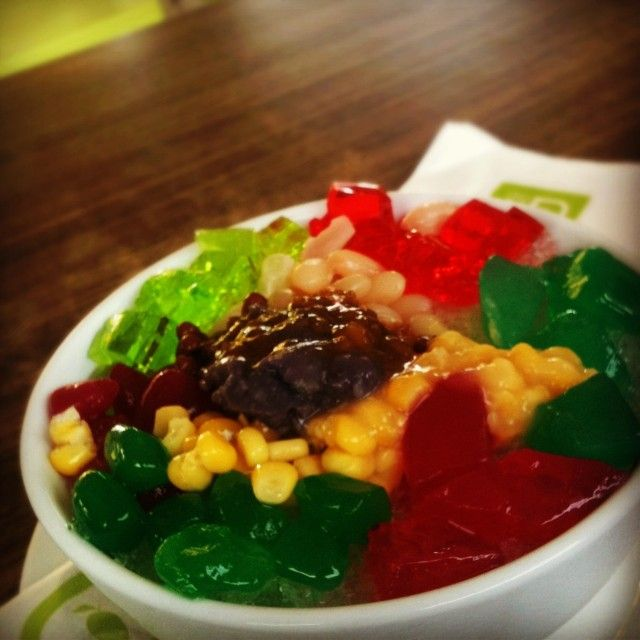 Halo halo, a very compact dessert from the Philippines :)