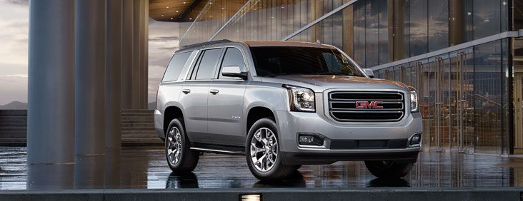 The 2017 Yukon SUV makes a powerful impression with its confident lines and aerodynamic proportions. Bold exterior styling ques, GMC signature lighting, and refined details give the Yukon an unmistakable presence on the road, or in your driveway.