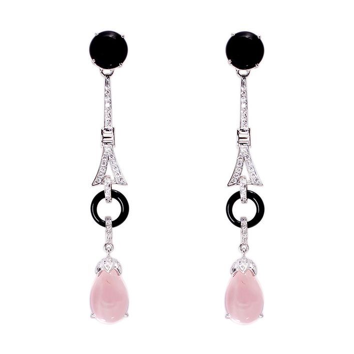 Grandeur Jewellery btings you Rose quartz and black onyx earrings studded with diamonds.