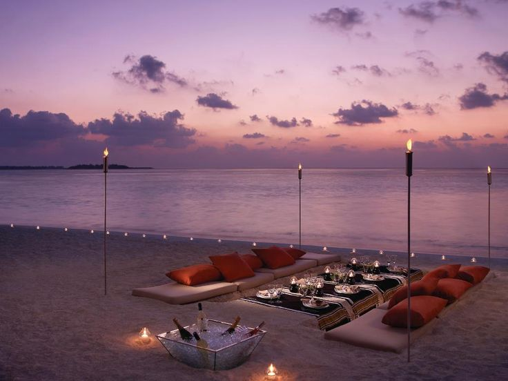 dinner party on the beach :))
