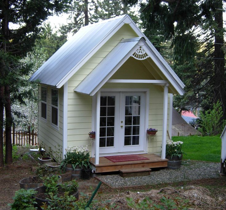Cottage Plans~Step-by-step eBook in PDF form will be available shortly...pin now, use later!  I so want one of these!