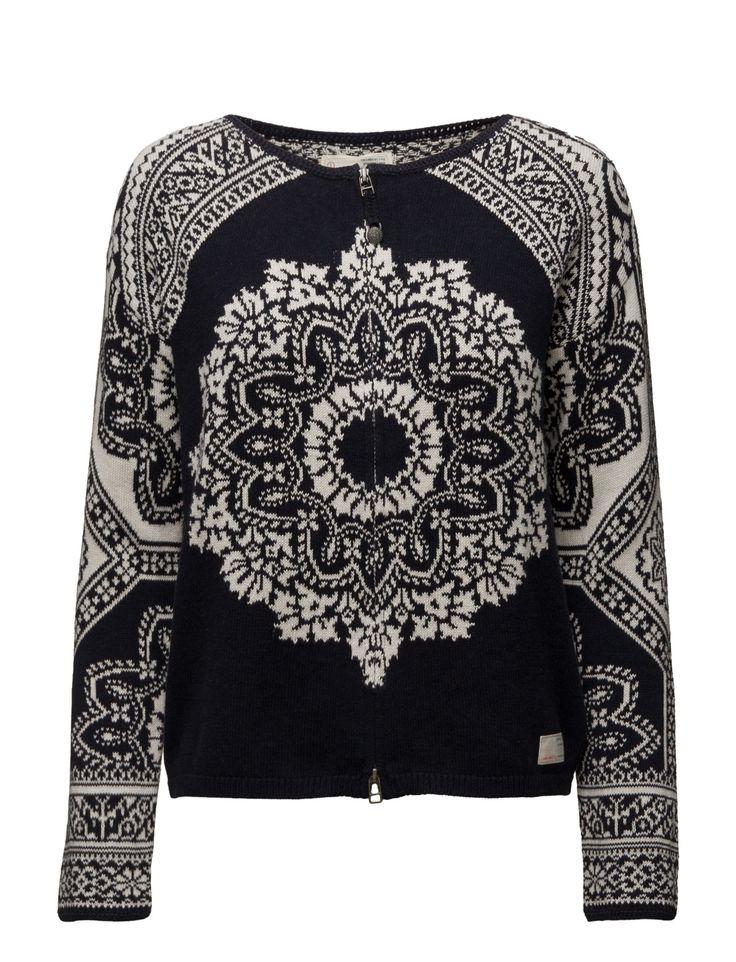 Vi har ODD MOLLY Under The Moon Sweater (Dark Navy) i lager på Boozt.com, för enbart 1516 kr. Senaste kollektionen från ODD MOLLY. Shoppa tryggt & säkert, snabb leverans.