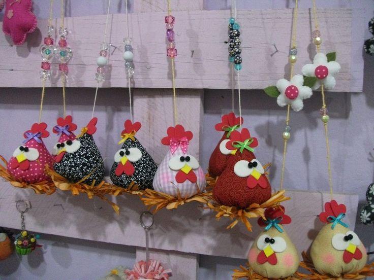 Lindos Pingentes de galinhas, super simpáticas!!!Tenho alguns a pronta entrega mas faço da cor que você quiser para decorar e deixar super charmosa a sua cozinha!!!