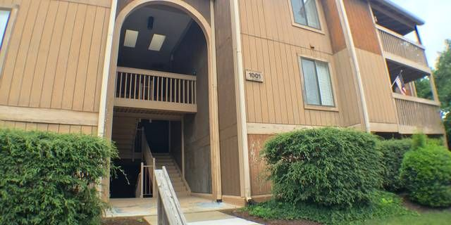 LOCATION,LOCATION,LOCATION! 3nd Floor Condo Unit with 2 Bedrooms, 2 Bath, Galley Kitchen,& Great Room with Fireplace Overlooking Balcony. Condo Amenities include Pool, Clubhouse, Tennis Courts, Water/Sewer & Trash Pickup.Close to Hospital,Oceanfront,Interstate & Shopping.Fannie Mae Homepath Property. For more information about this property or to schedule your private showing call/text/email Russell today!