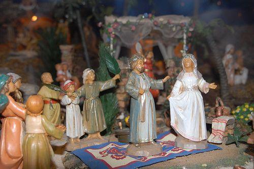 Fontanini nativity Christmas display ideas.  Wedding scene