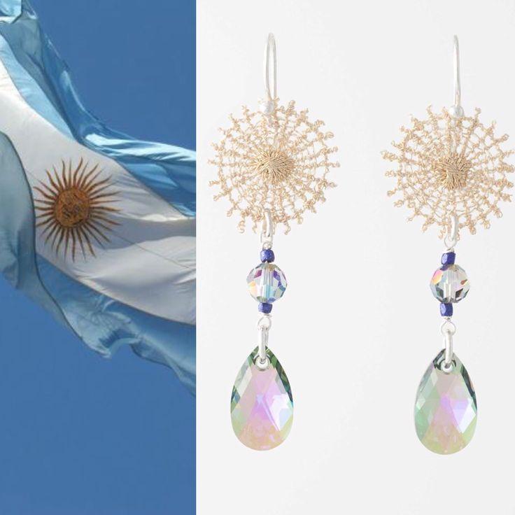 La collection ASTRES, 'what else' pour danser le tango … Bijoux directement inspirés du drapeau argentin !  Fait en Belgique, avec le main et le coeur. Liker, partager, adopter, et … danser ! http://florence-beauloye.com/boutique/boucles-doreilles/signe/