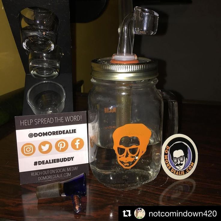 Team welcome @notcomindown420 to the #dealiefamily.  We're a big time fan of this lady's support and super happy she's on our team.  Ya'll can call her out for #stopDropandDoDealie!  Welcome!  You can get your #dealiebuddy at domoredealie.com. Big up!  _____ Happy (super super) early Birthday to me  @domoredealie #notcomindown #finallygotabanger #pumped #Dealieated #dealiatingEarth #happycustomers #socialmediamarketing #slaps #dabs #banger #function