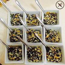 Salada de arroz selvagem com limão siciliano, amêndoas e damasco