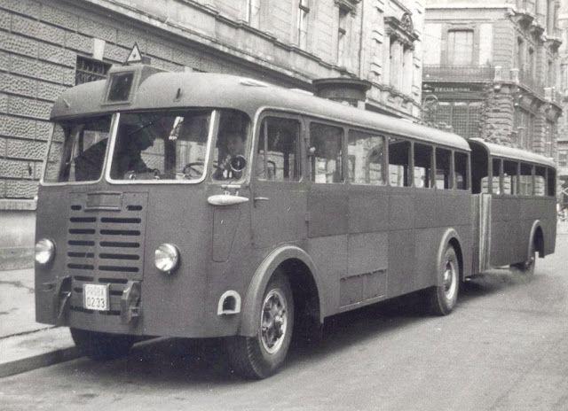 TÖRTÉNELMI KALEIDOSZKÓP...: Az első magyar csuklós-busz / Folytatáshoz kattint...