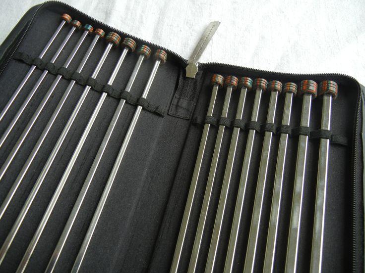 KnitPro Nova Cubics Jackenadelset - Neuheit 2013: eckige Metallnadeln (vernickeltes Messing), gibt es auch Nadelspiele, Rundstricknadeln und Nadelspitzen.