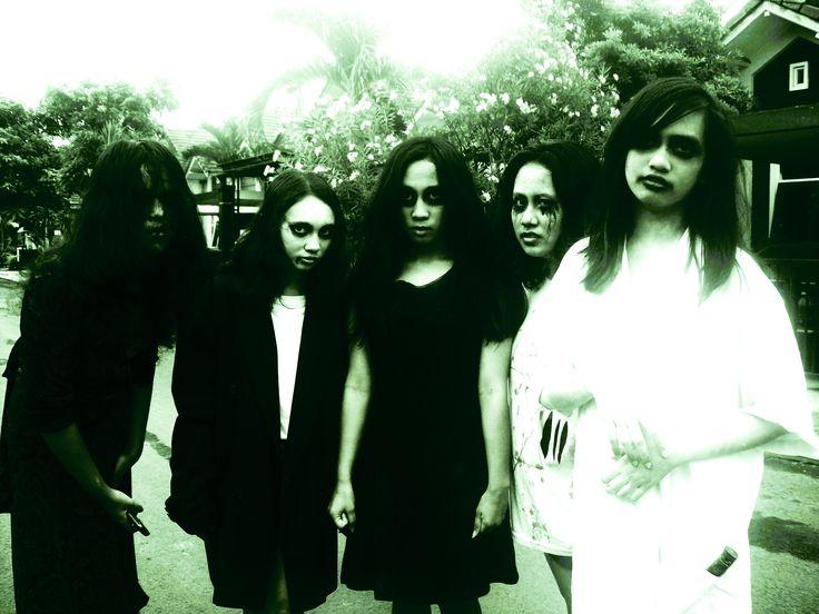 Wohooo, Halloween 2012. Girls: Maudy, Sylvia, Me, Merry, Arisa
