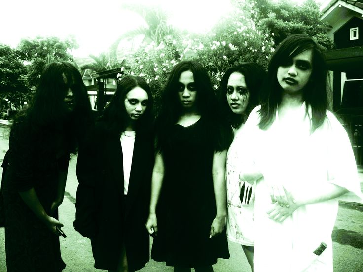 Wohooo, Halloween 2012. Girls: Maudy, Sylvia, Me, Merry, Arisa