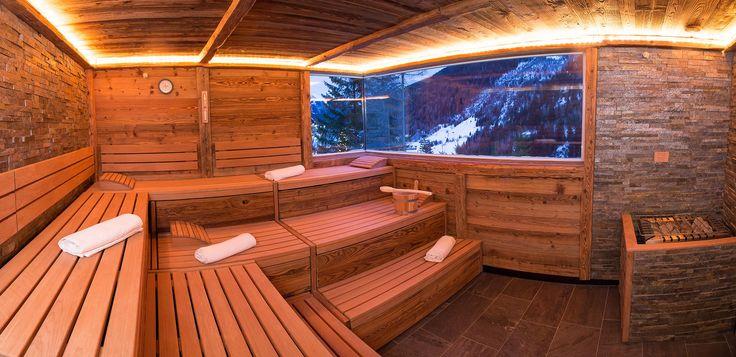 Wohnen im 4-Sterne-Hotel Karl Schranz in St. Anton am Arlberg: großzügige, elegante Zimmer, Wellnessbereich und mehr für perfekten Winterurlaub.