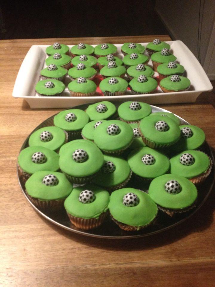 Voetbal cupcake traktatie