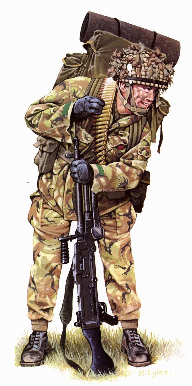 Malvinas. Paracaidista britanico 'Los Diablos Rojos' llevando su carga normal de campaña y una ametralladora de 7.62mm con municion en bandolera