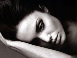 Angelina Jolie Hot Face Wallpapers