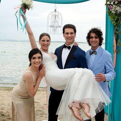 Bugün Efsane Çiftimizin Evlilik Yıldönümü ❤️ #serenaysarikaya #cagatayulusoy #hazarergüçlü #tanerölmez #çoközledik #medcezir