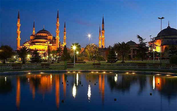 Paket Umroh Plus Turki $ 2500 Maret - April Musim berbunga