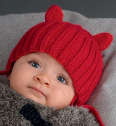 Modèle bonnet bébé rouge
