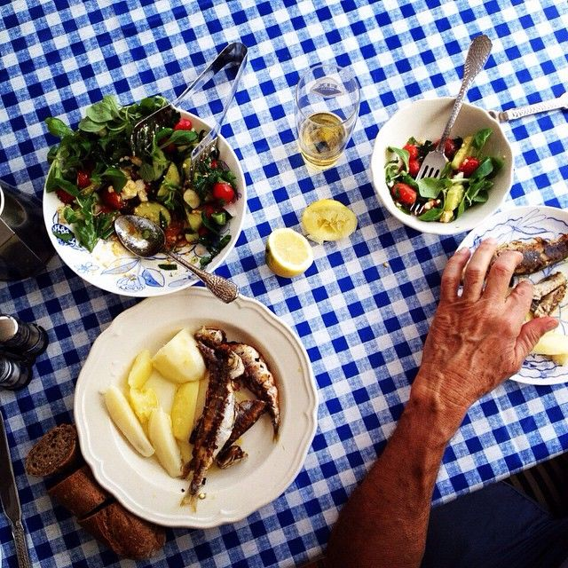 The Cretan diet is prooved as one of the healthiest in the world. Fresh fish, our very own virgin olive oil and organic salads from local farmers or even our own garden! No wonder Greeks love to eat and always celebrate with good food. #villaippocampi #ippocampi