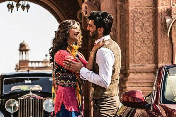 Check out the Movie Review of Sonam Kapoor and Fawad Khan starrer Khoobsurat #Khoobsurat