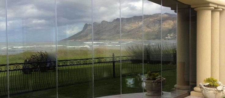 Simply breathtaking thanks to the SUNFLEX Glass Wall System